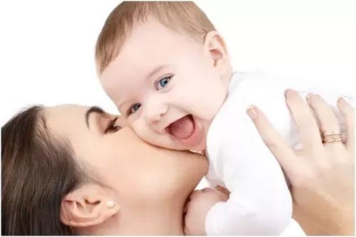 علت شباهت فرزند به مادر
