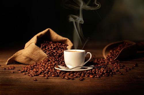 به این دلیل با معده خالی قهوه نخورید